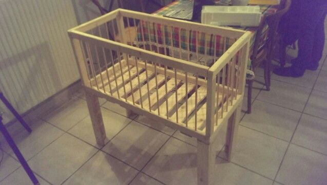 Pin By Les Petits Ecolos On Meubles Palettes By Lespetitsecolos Decor Home Decor Cribs