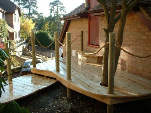 Curved Decking With Post Rope Balustrade Love The Tree Through - Garden decking rope
