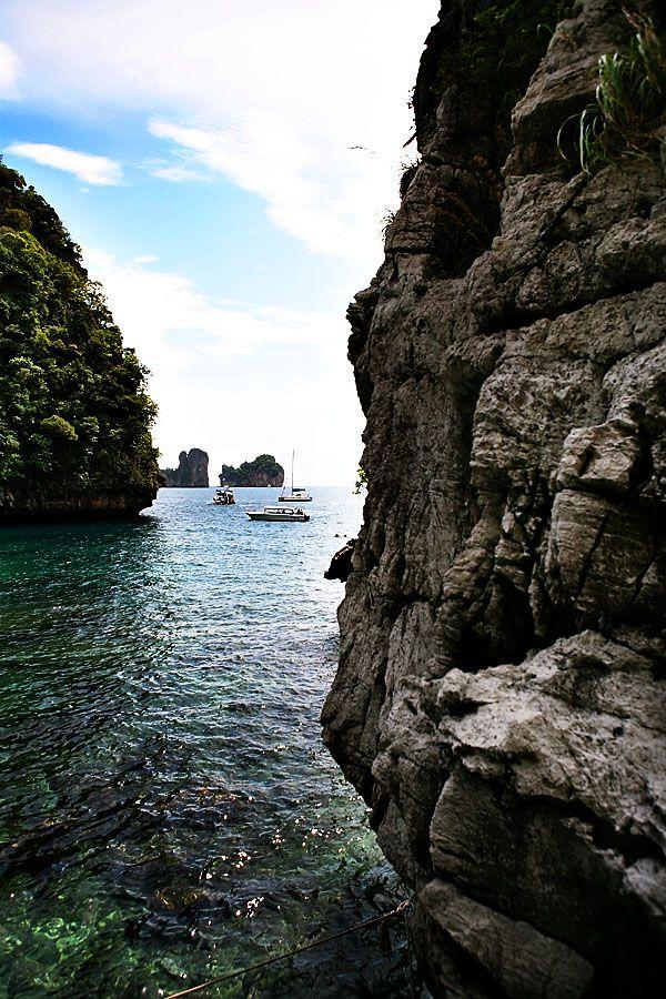 Beautiful Beaches Around the World, Maya Bay, Ko Phi Phi, Thailand (10 Pictures)