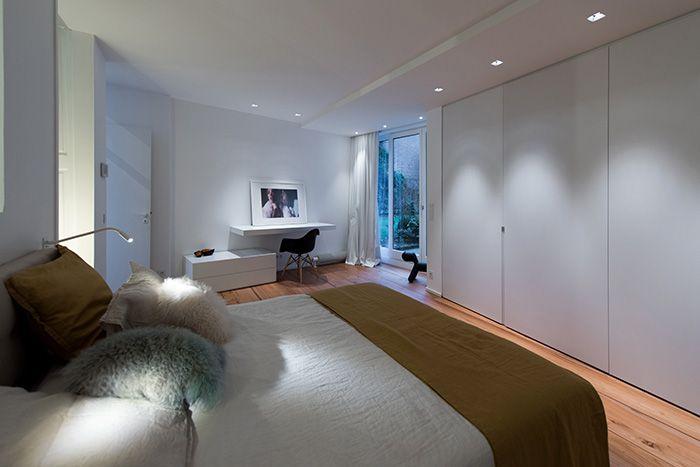 maison contemporaine design blanc int rieur moderne. Black Bedroom Furniture Sets. Home Design Ideas