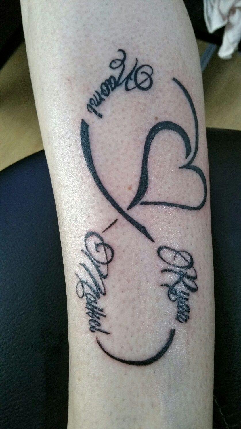 Tattoos Namenszüge