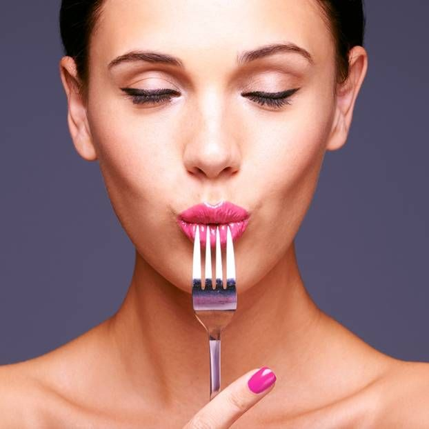 Wie nützlich! Beauty-Bloggerin zeigt Schminktricks mit ...