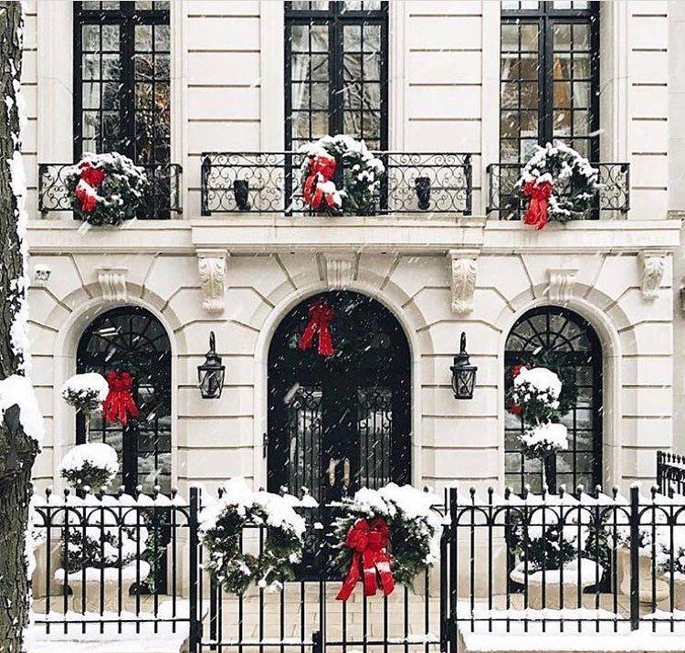 Christmas spirit...❤️🌲🎅🏻. #villadissi #espritdenoel #villadissiinteriors