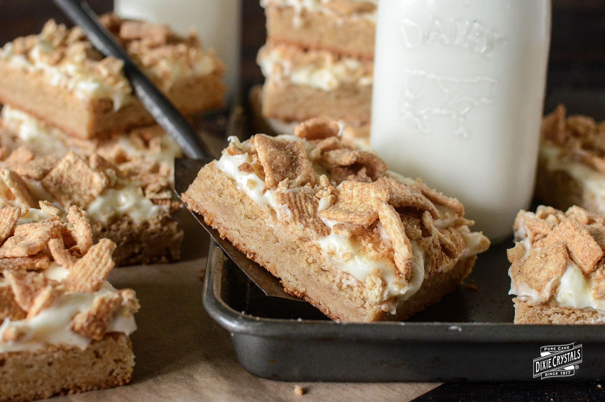 French Toast Cookie Bars #cinnamontoastcrunch