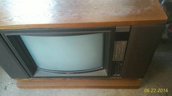 old tv for sale Sony Trinitron color TV - $650 (Yonkers) I