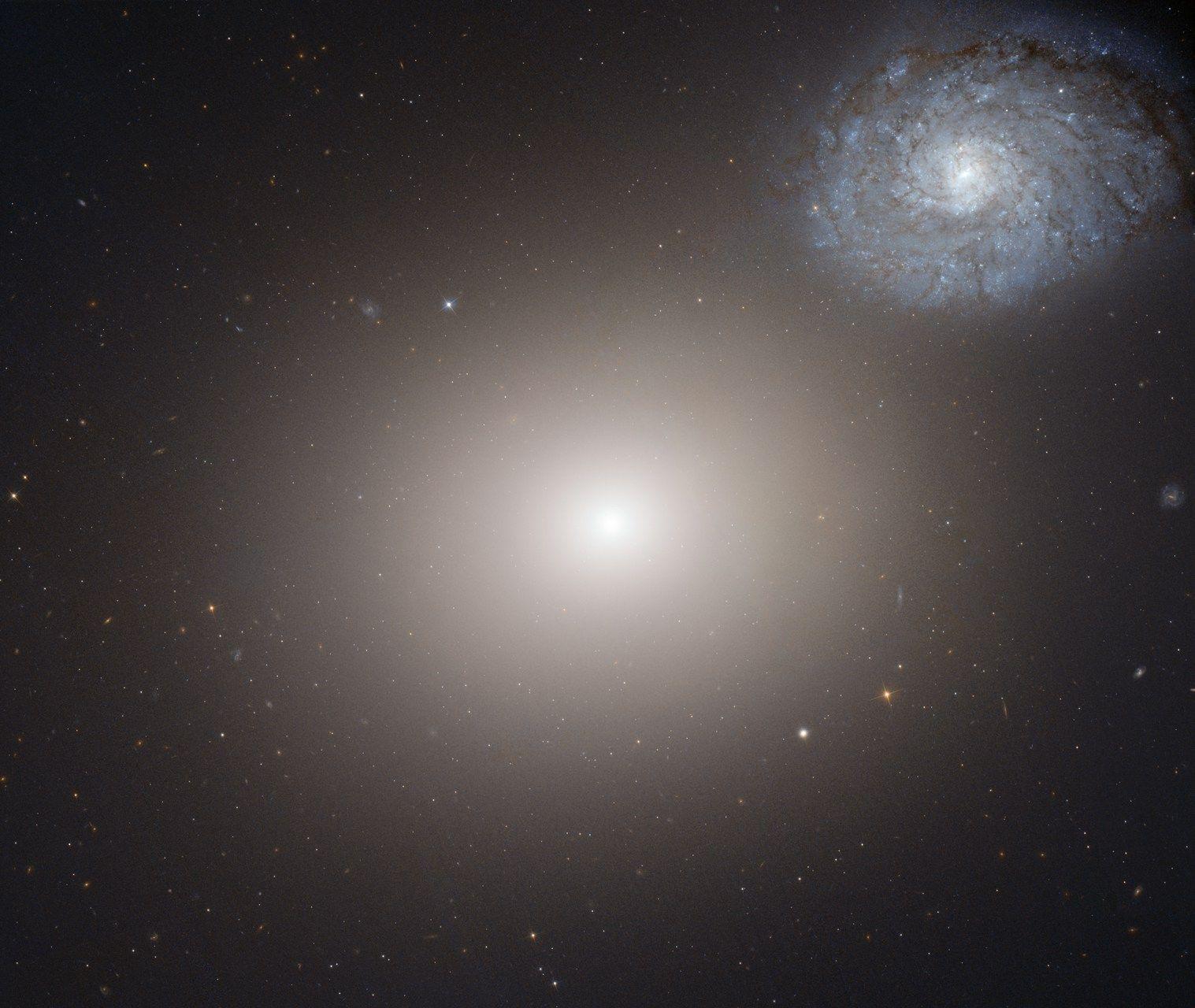 La elíptica M60 y la espiral NGC 4647