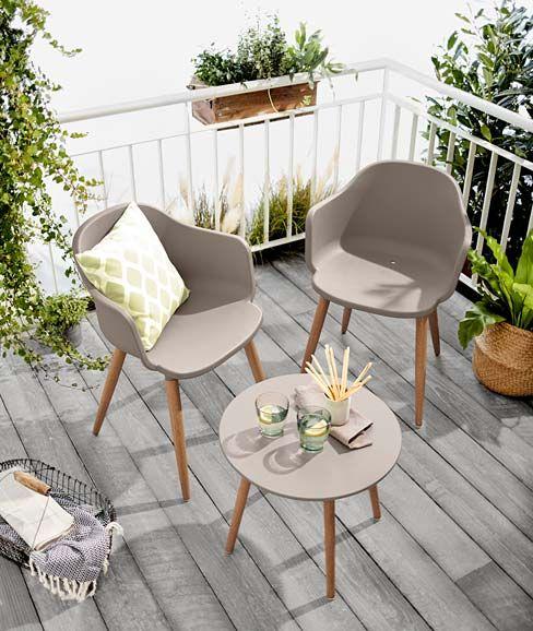 Garten Und Balkonmobel In Grau Mit Holzbeinen Mobel Fur Den Balkon