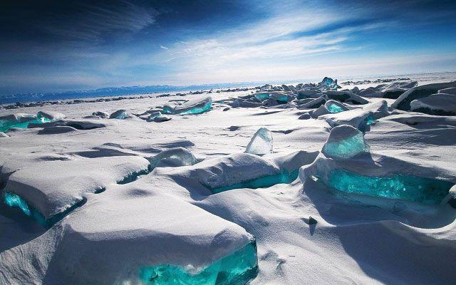 Se il freddo vi infastidisce, pensate che ci sono luoghi sul nostro pianeta, che richiedono un supplemento di giacche, tipo in Antartide (-93,2 °C)