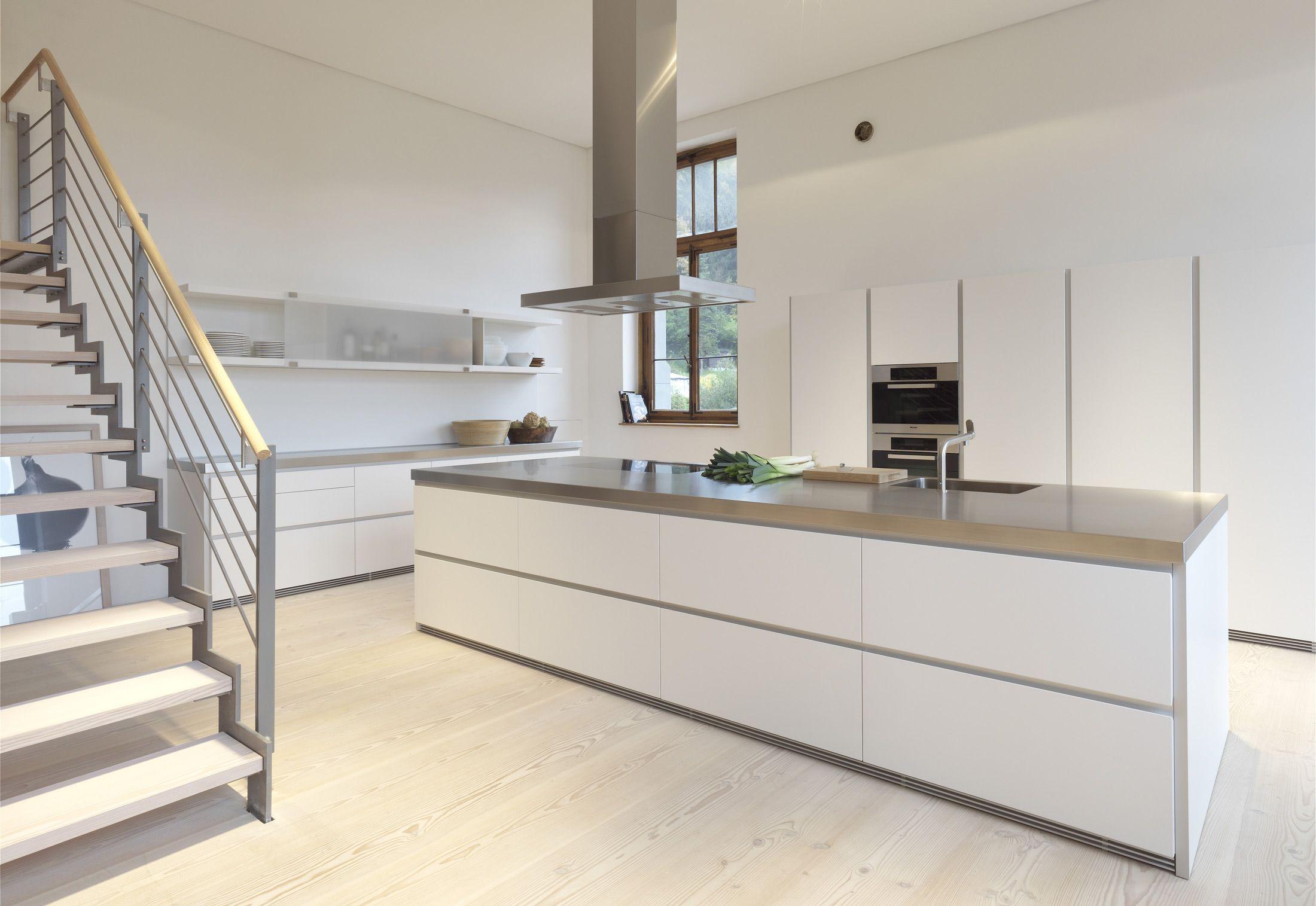 Bulthaup B1 By Bulthaup Fitted Kitchens Design At Stylepark Kitchen Design Decor Minimalist Kitchen Design Luxury Kitchens