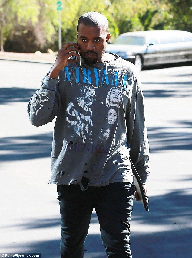 Kanye West Pays Tribute To Nirvana Wearing A Sweatshirt From The Band Kanye West Style Rapper Outfits Clothing Brand