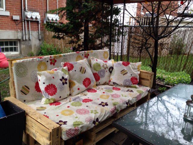 Lit de jardin en palette termine | Créations de Danielle Cameron ...