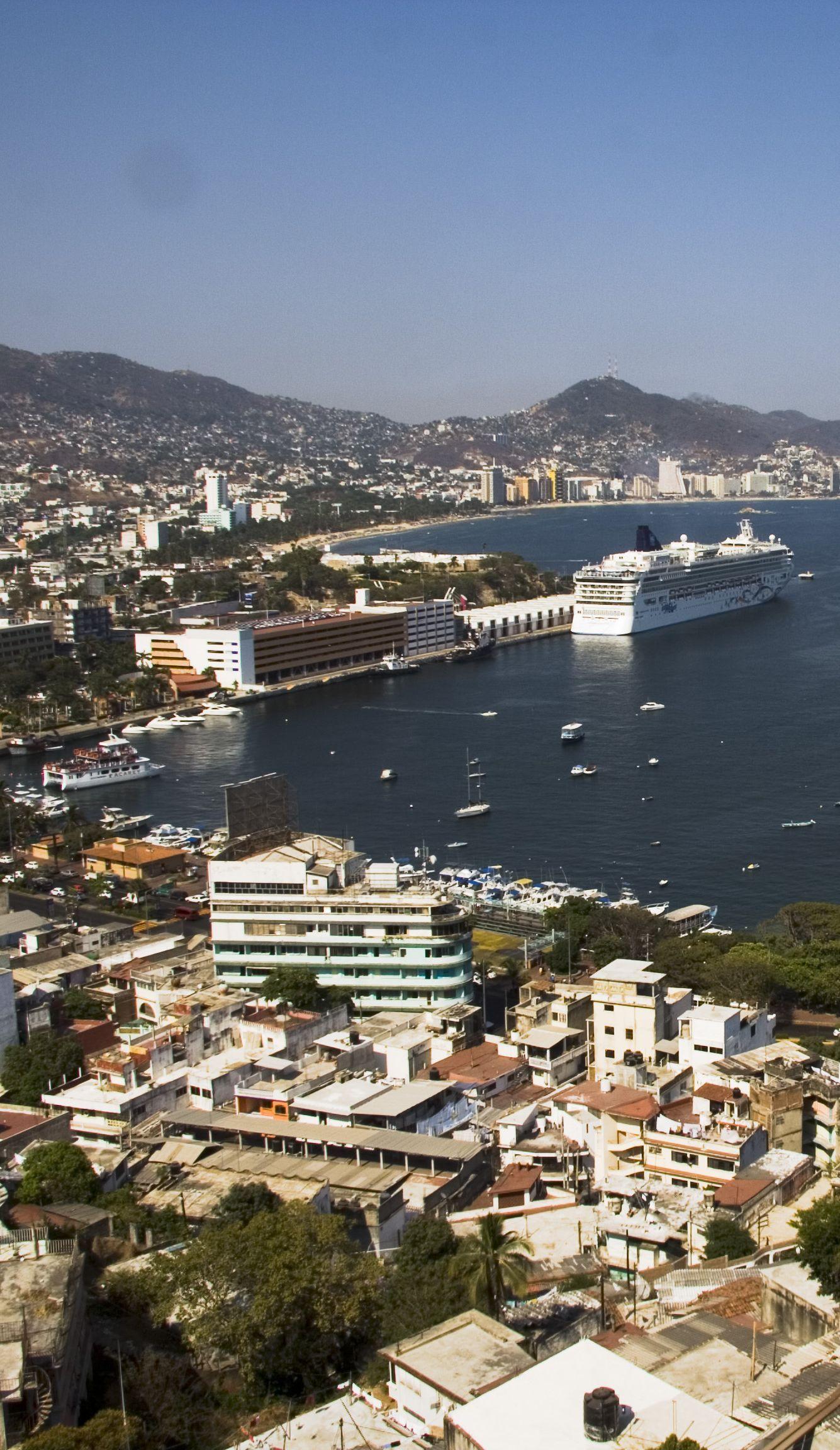 Acapulco bay Mexico Top Cruise Deals of