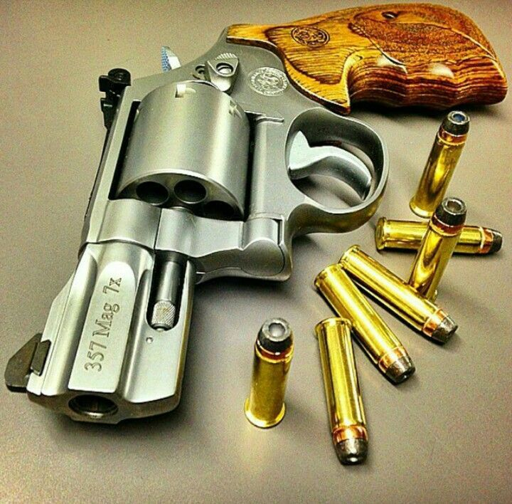 Smith & Wesson S&W 686 .357 7-shot   Powerful Pistols   Pinterest   Smith wesson, Guns and Revolvers