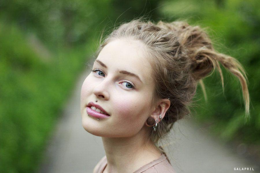 Pretty Portrait by *Galapril on deviantART