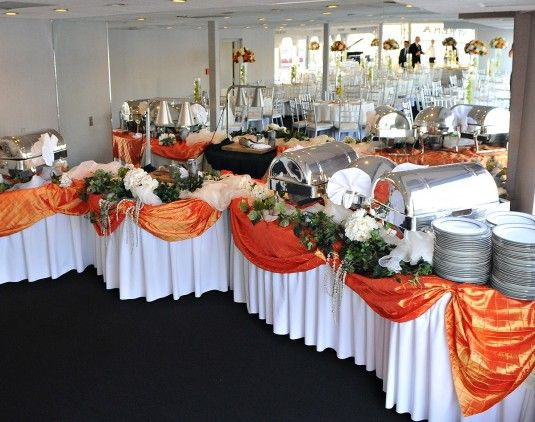 accent color for buffet table use the blue table cloths we already have for bridal