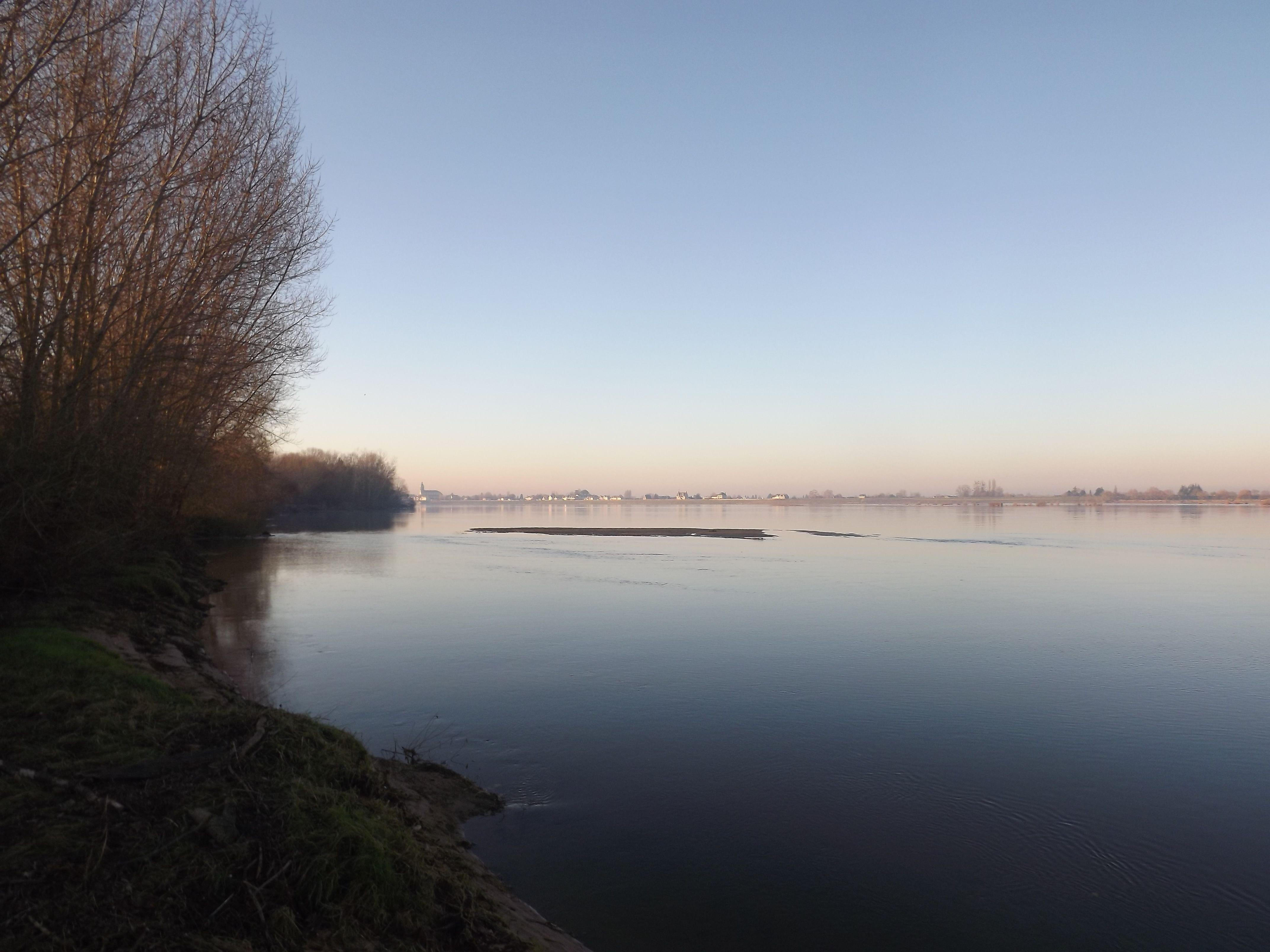 vue sur Loire en fin d'après midi