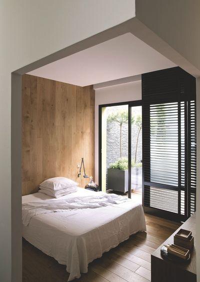 Une Chambre Moderne Habillee De Bois Dans Un Loft Pres Paris Plus Photos Sur Cote Maison Petitlienfr 7skb