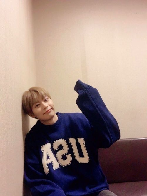 Heejun, From Knk discovered by ЪљЮ ЮњфЮњй ЮњйЮЉюЮЊЃЮЉњЮЊј;; on We Heart It