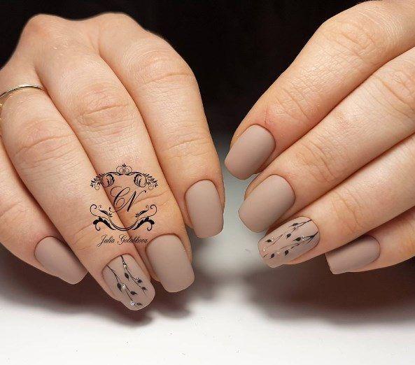 Дизайн ногтей нюдовые