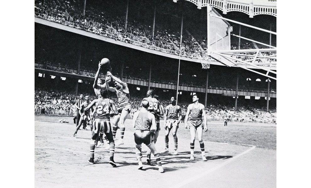 Basketball, Yankee Stadium, New York