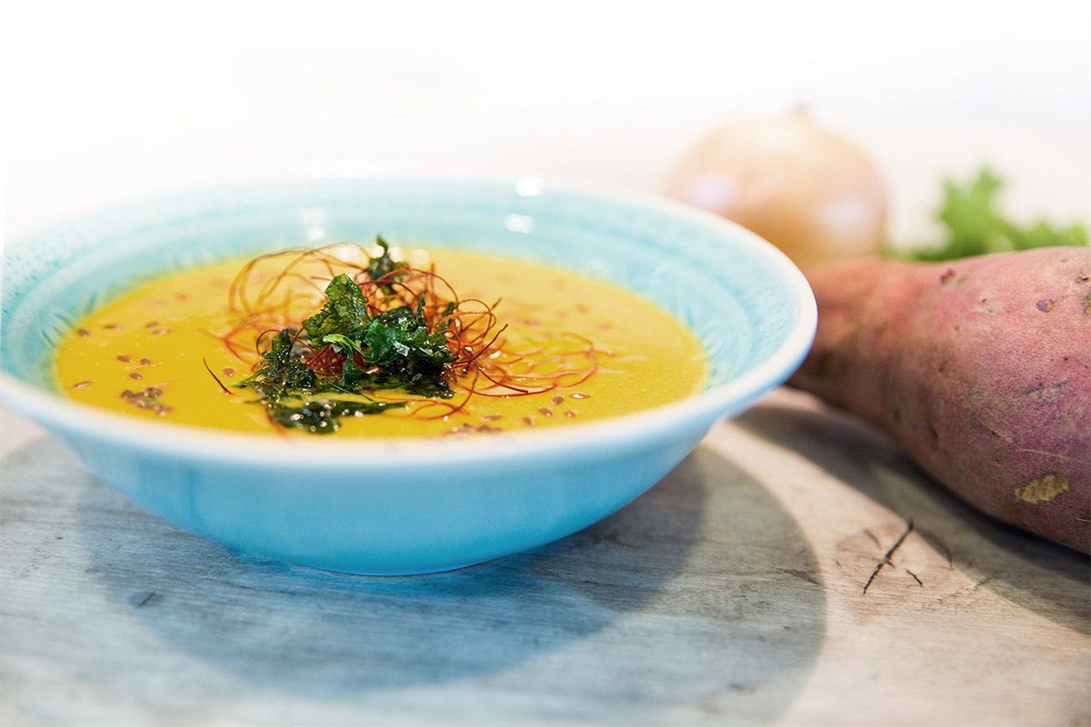Heiße Suppen lösen den Schleim, Chili kurbelt den..