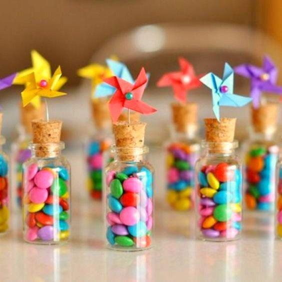 brochetas de chuches originales y ricas para fiestas infantiles