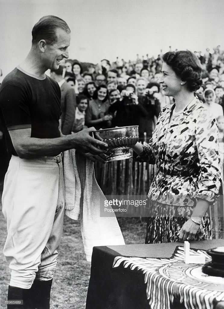 windsor-england-24th-june-1957-hrh-the-queen