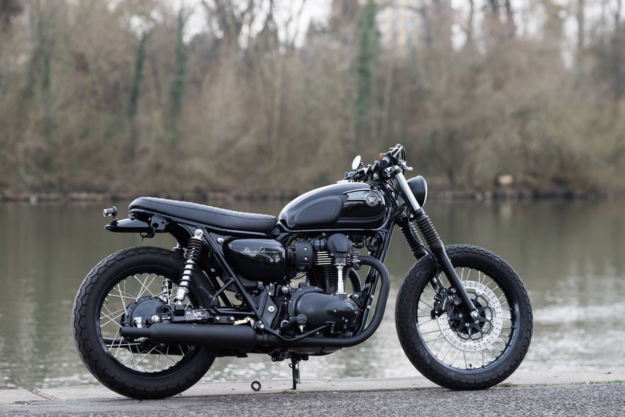 Kawasaki W650 and W800 Brat Style by Schlachtwerk - Photos by Marc Holstein #motorcycles #bratstyle #motos | caferacerpasion.com