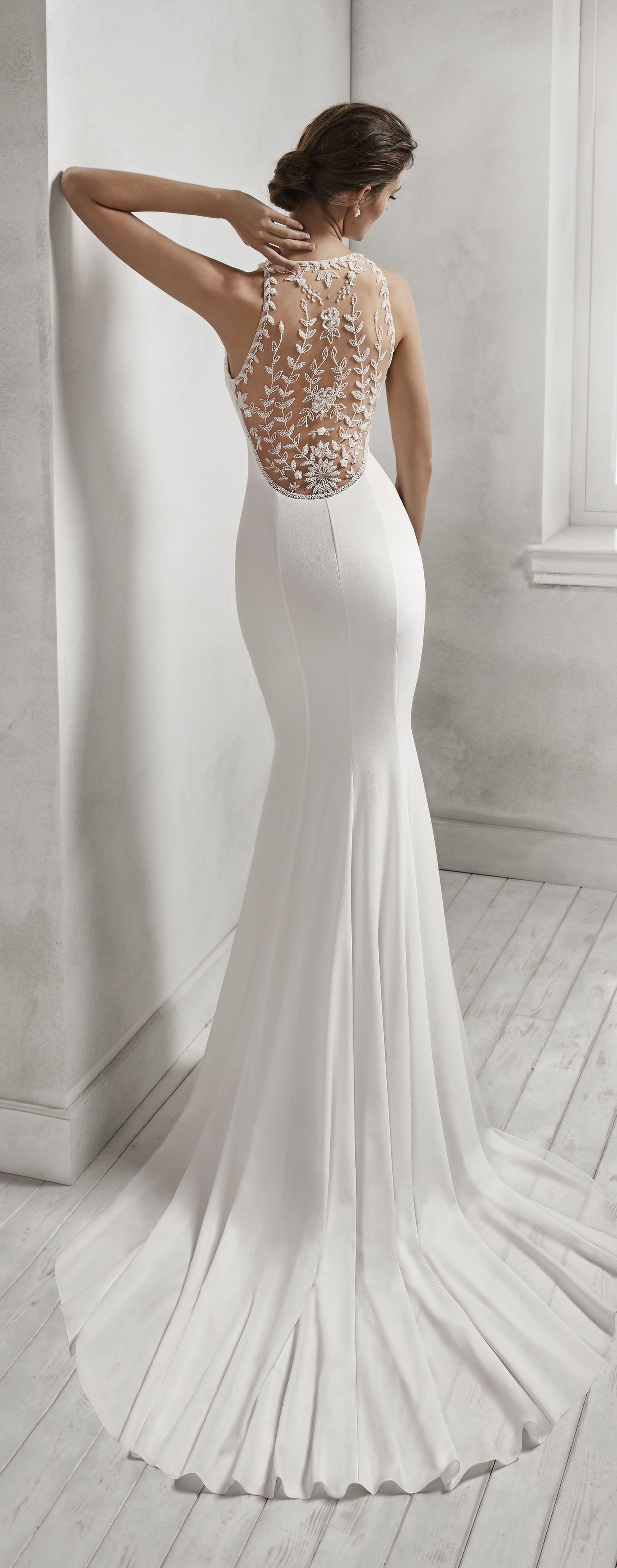 Ad Wedding Dress By Luna Novias Hanna Is A Mermaid Style Crepe Georgette Bridal Gown With Halter Neckline And Wedding Dresses Bridal Gowns Bridal Dresses [ 4157 x 1635 Pixel ]
