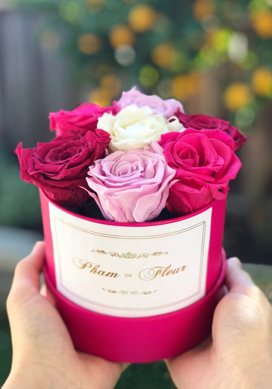 Super Cute Small Round Rose Box Real Roses That Last For Years Pink Box Pink Roses Luxury Flowers
