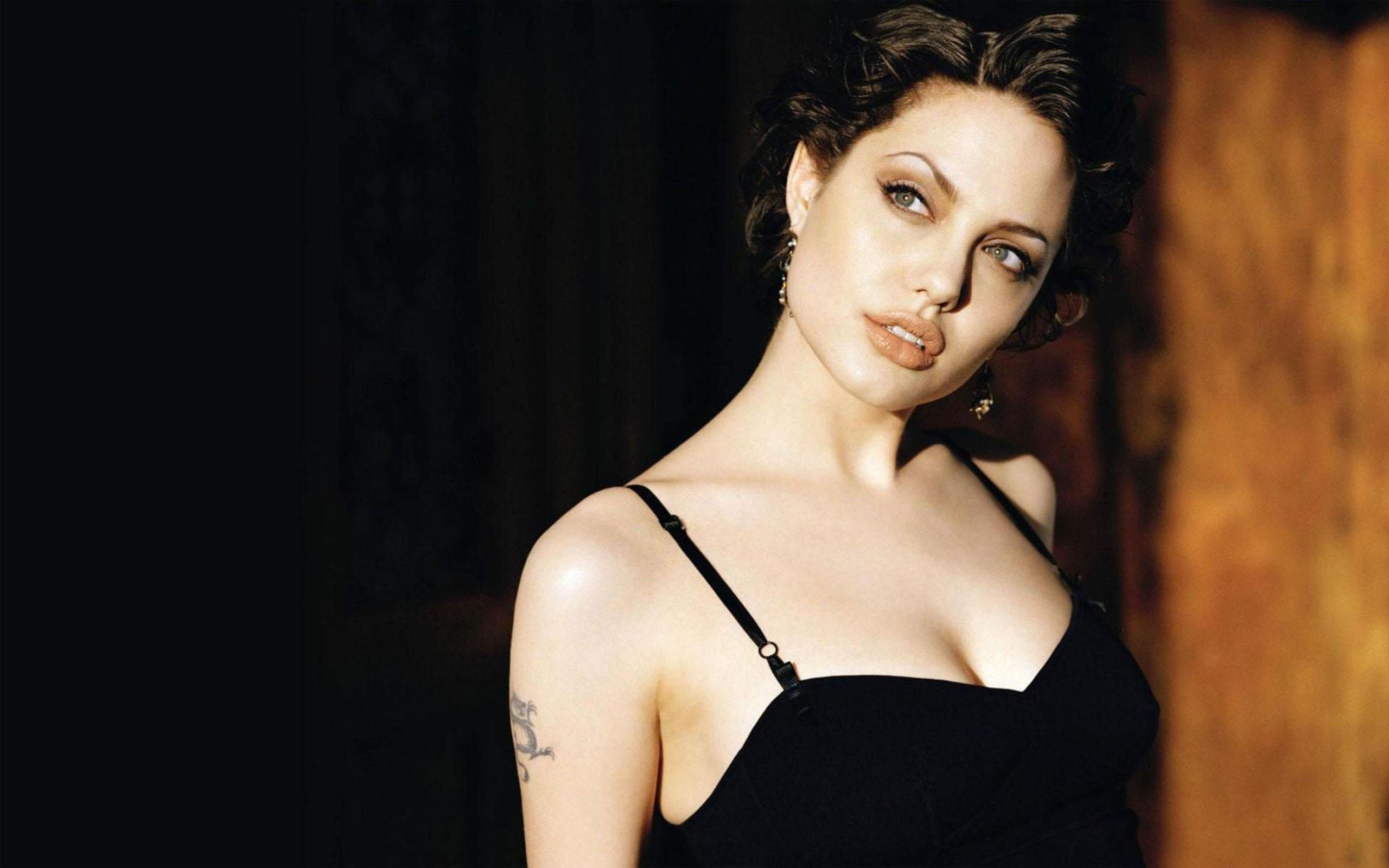 Angelina Jolie Hot Stills actress angelina jolie hot hd wallpapers pictures hd walls