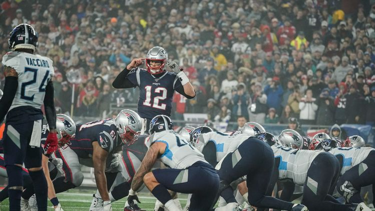 Titans take another shot at Tom Brady, Patriots on Twitter