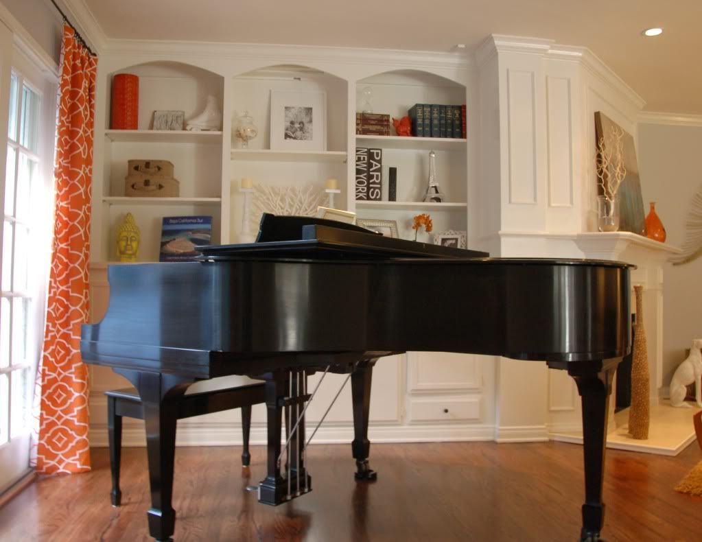 Beautiful Family Rooms With Baby Grand Pianos