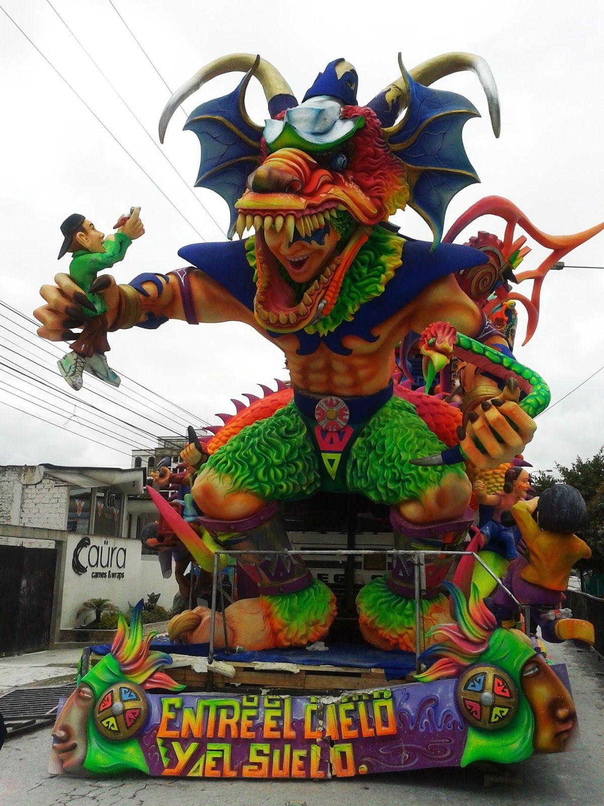 Carrozas Ganadoras Carnaval De Negros Y Blancos 2014 La Estacion Grafica Carrozas De Carnaval Carnaval Desfile De Carrozas