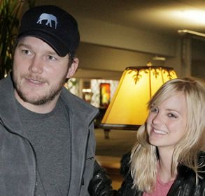 b74c05eeb1676 Chris Pratt Wearing Elephant Big Head Hats