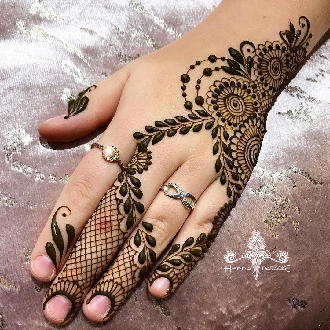 Pin By Amina On Latest Mehndi Designs Modern Henna Designs