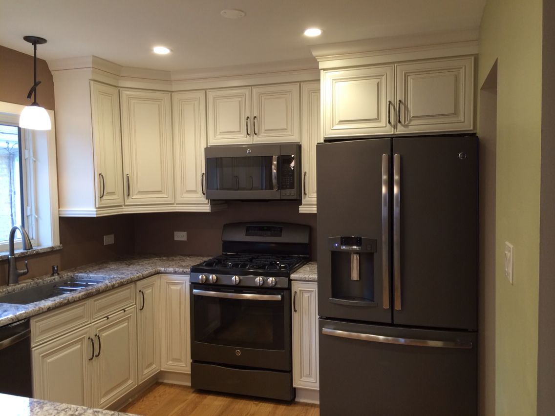 slate kitchen appliances jeffrey alexander island ge loving these for the