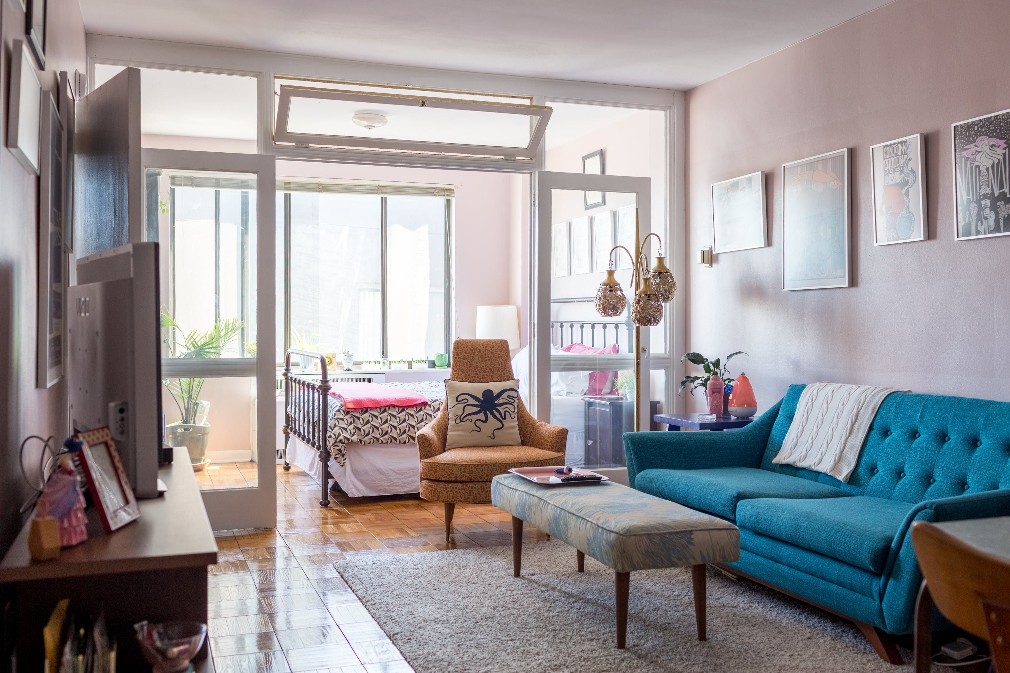 Grace S Studio Apartment Is Only 495 Square Feet The Walls In Living Room And Bedroom Have Been Painted Behr Ash Rose Satin Her Mid Century