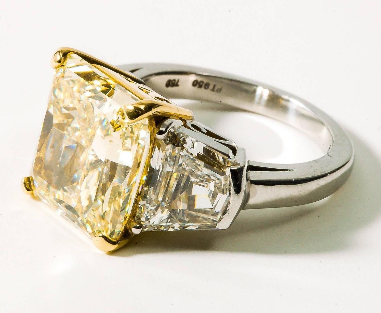 Eiseman 8.01 Carat Fancy Yellow Diamond 2.80 carats