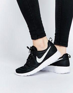 first rate 406ad 5f9c5 Nike Roshe Run Black Trainers