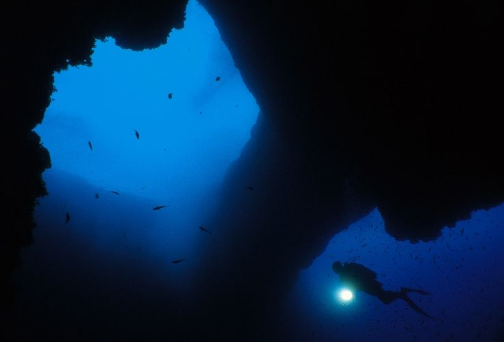 Malta Is A Diver S Paradise And Diving In Malta Is Something That Any Diver Young Or Old Must Experience At Least Once In A Malta Holiday Maltese Islands Malta
