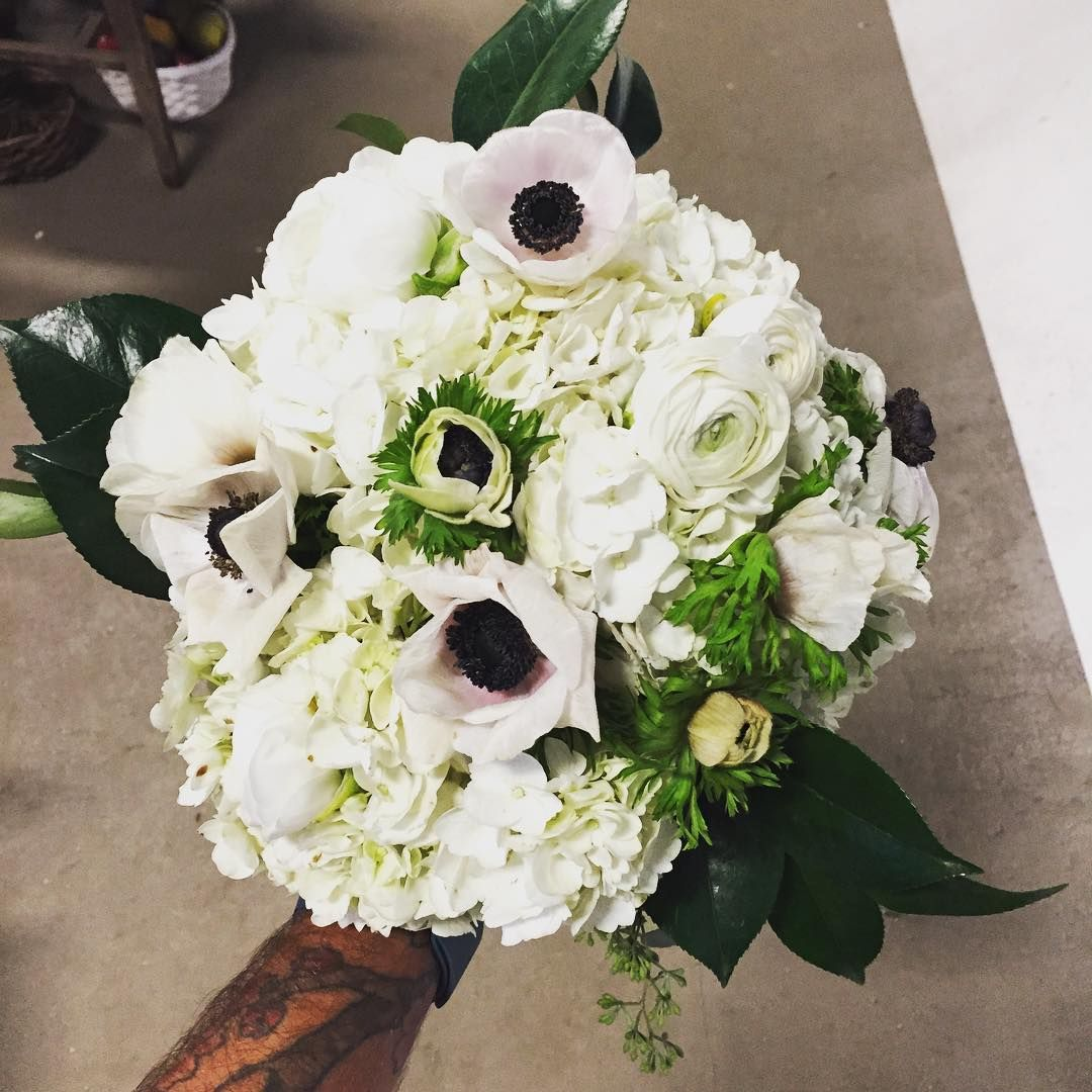 modern white bouquet by Urban Orchid Floral Wedding