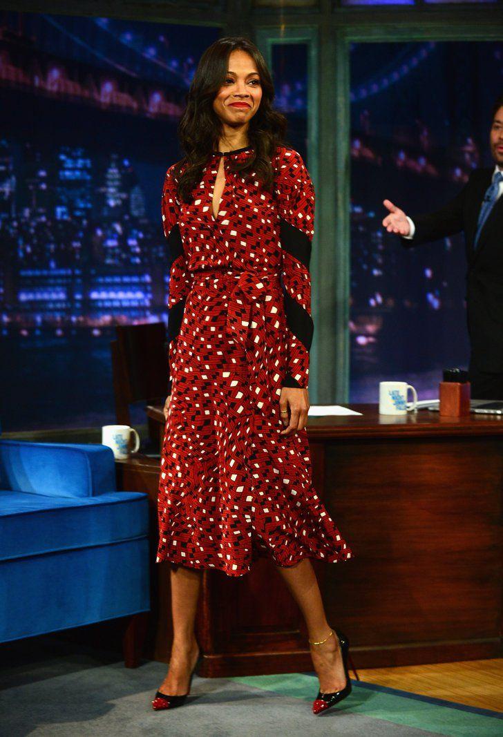 Zoe Saldana in a DVF Wrap Dress | Freiheitsstatue, Wickelkleid und ...