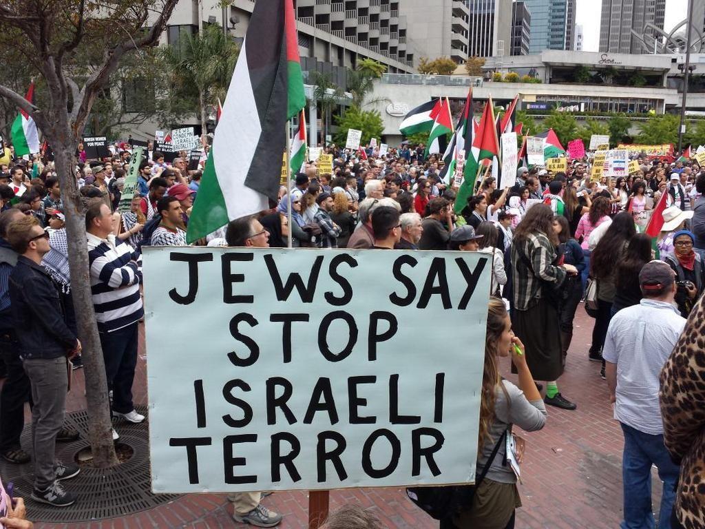 "Jews say stop Israeli terror"" sign at San Francisco rally  pic.twitter.com/GQFeZCeCgP http://fb.me/6U5Q1T7mP- July 2014"