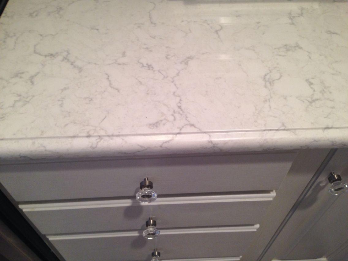 Best Viatera Minuet Quartz Countertops Diy Bathroom Remodel 400 x 300