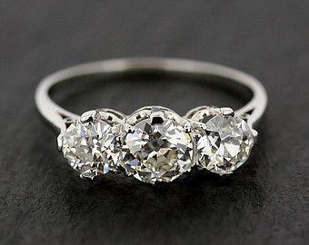 Antique bague de fiançailles - trois Stone Diamond ...