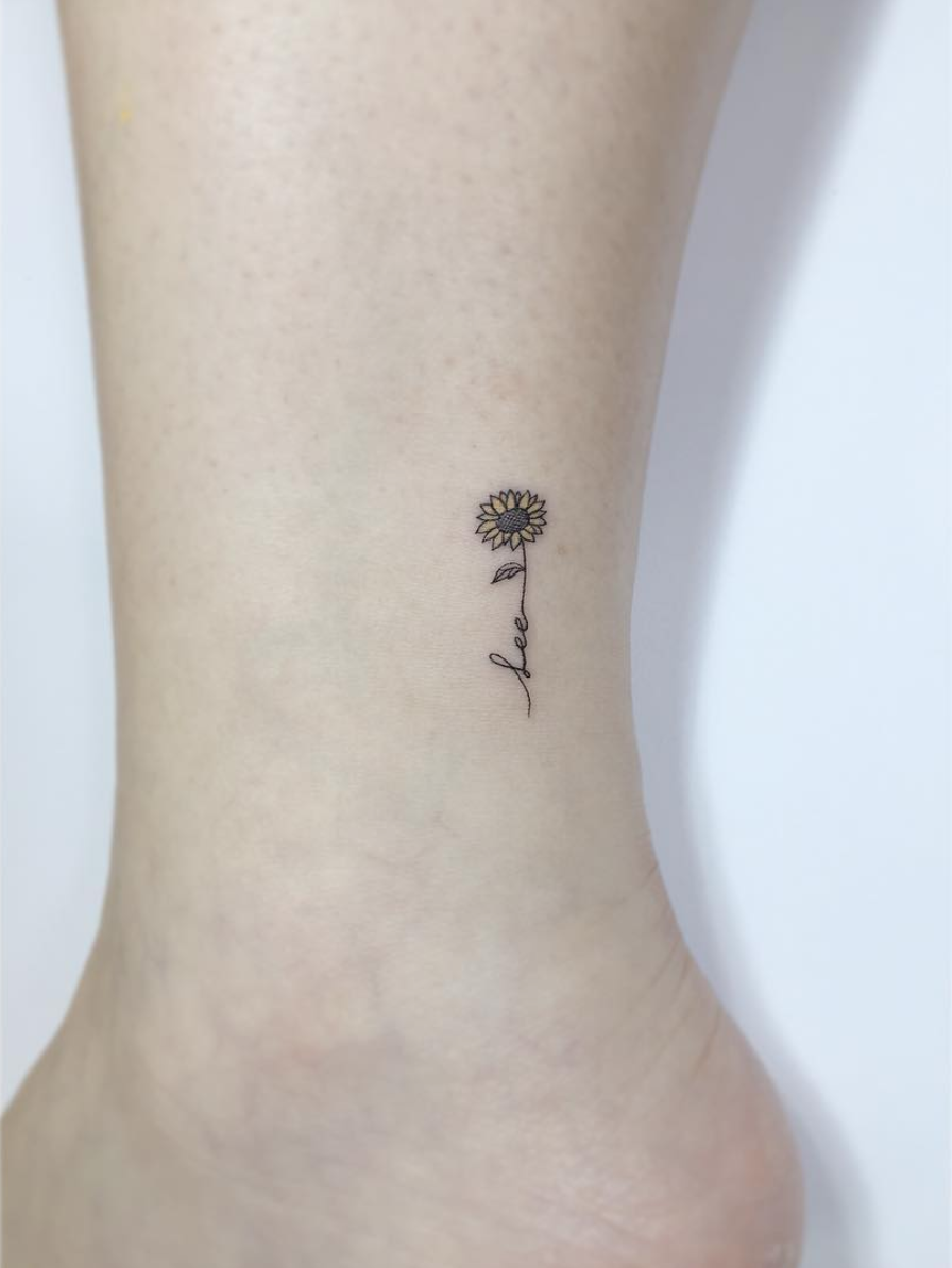 crown tattoo, simple tattoo, small crown tattoo, wrist