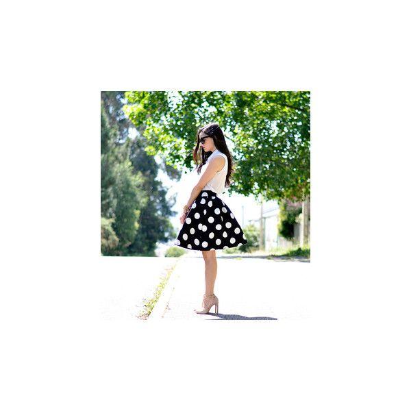 SheIn(sheinside) Black Polka Dot Flare Skirt (£15) ❤ liked on Polyvore featuring skirts, flare short skirt, black knee length skirt, circle skirt, short skirts en short flared skirts