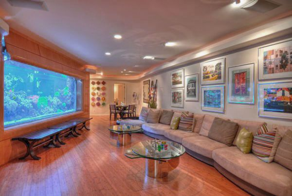 Luxurious Living Room Design Ideas With Big Aquarium