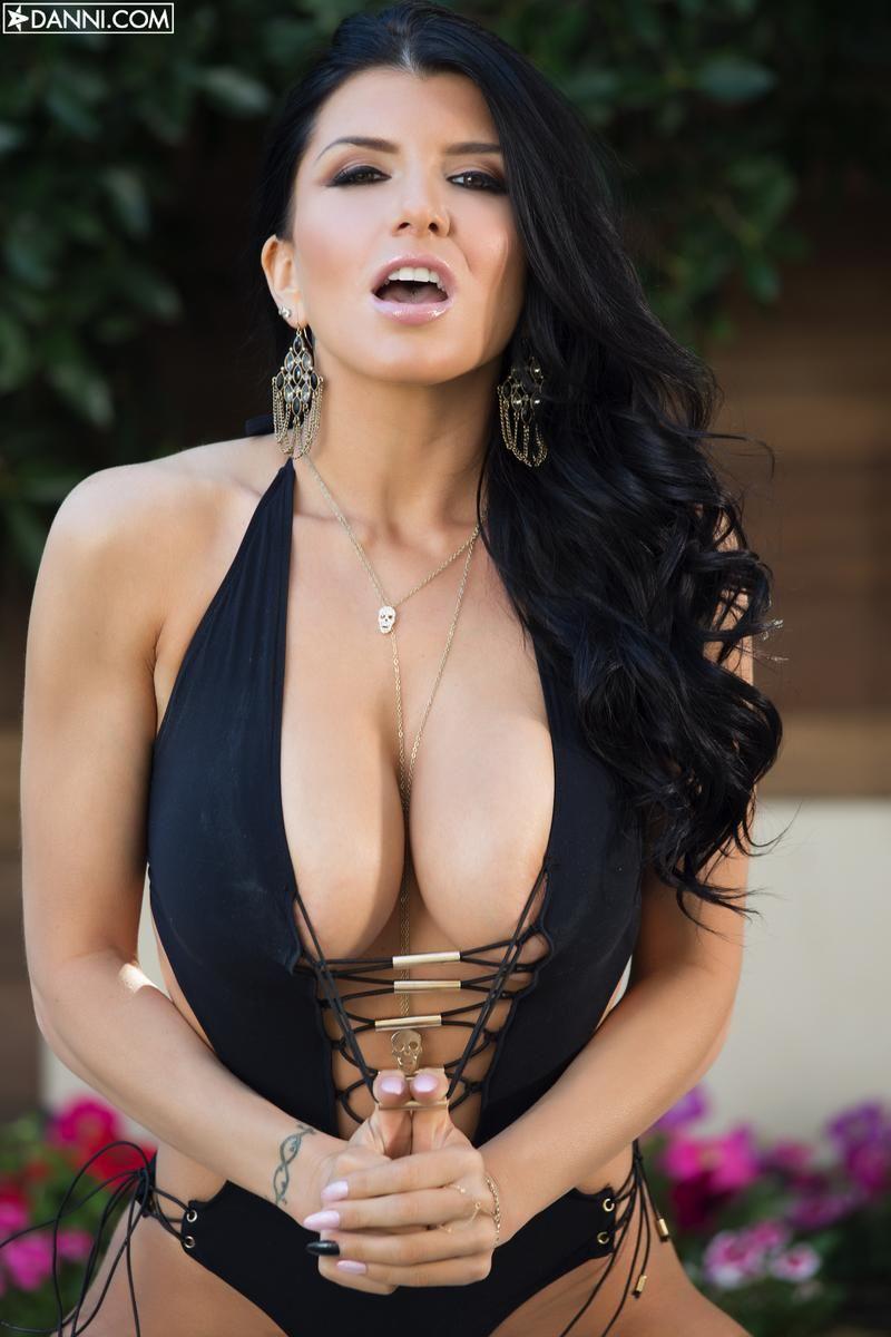 Mag es, Romi rain nude VID!!!!!!!!!!